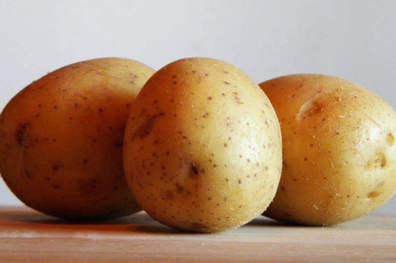 Фарбування волосся картопляною шкіркою