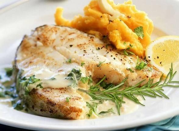 Рецепт риби у кокосовому молоці зі шпинатом.