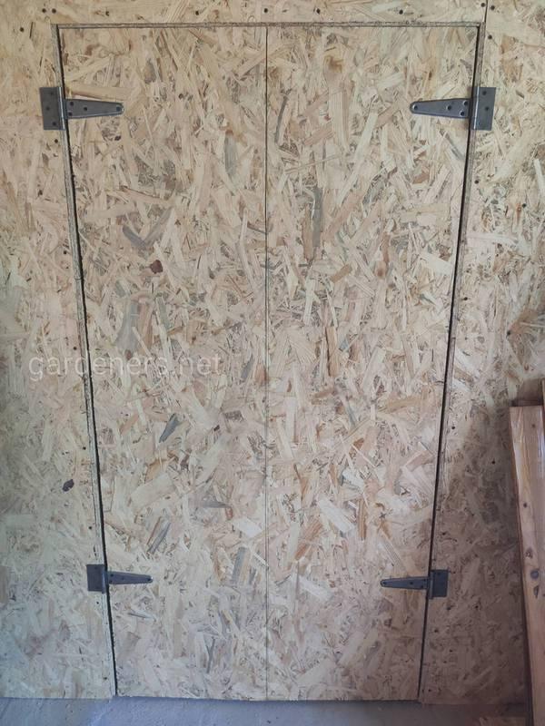 Встроенный шкаф в гараже