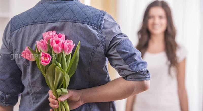 Що насправді хоче сказати ваш партнер, коли дарує вам квіти