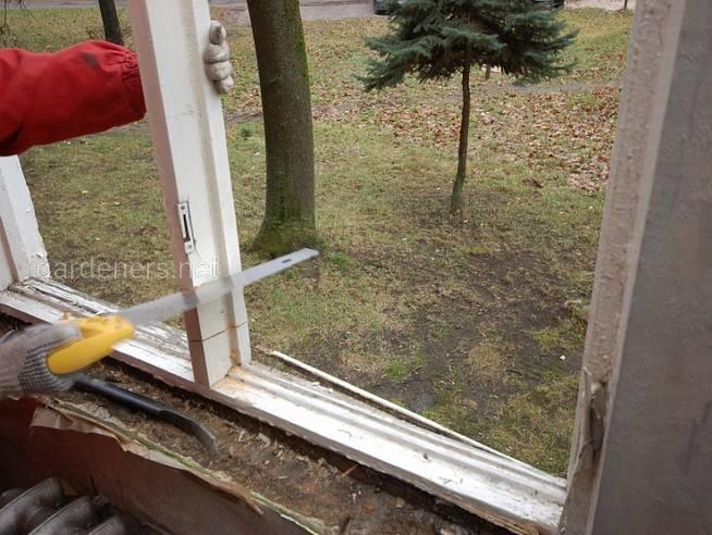 Демонтуємо старі вікна