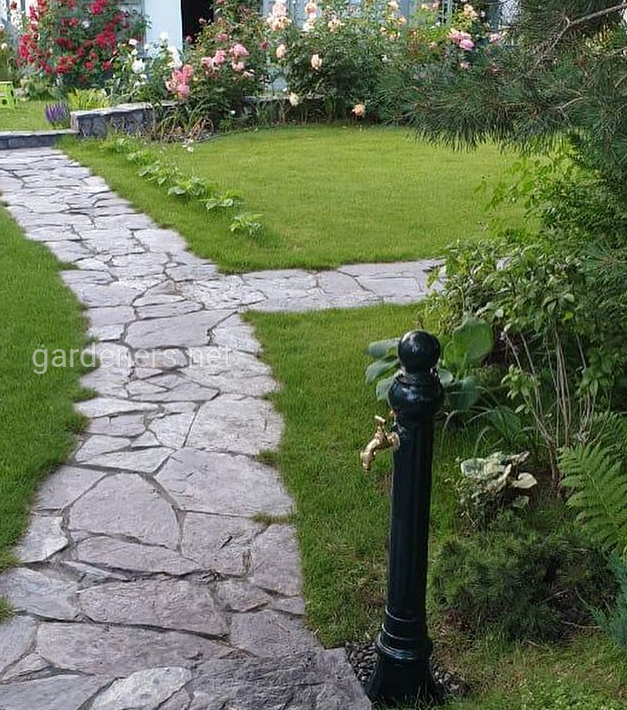 Колонка для саду