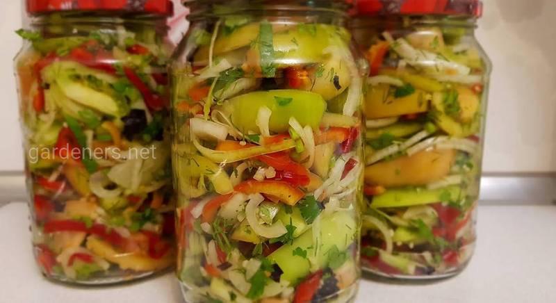 Салат з капустою і зеленими помідорами на зиму. Рецепт