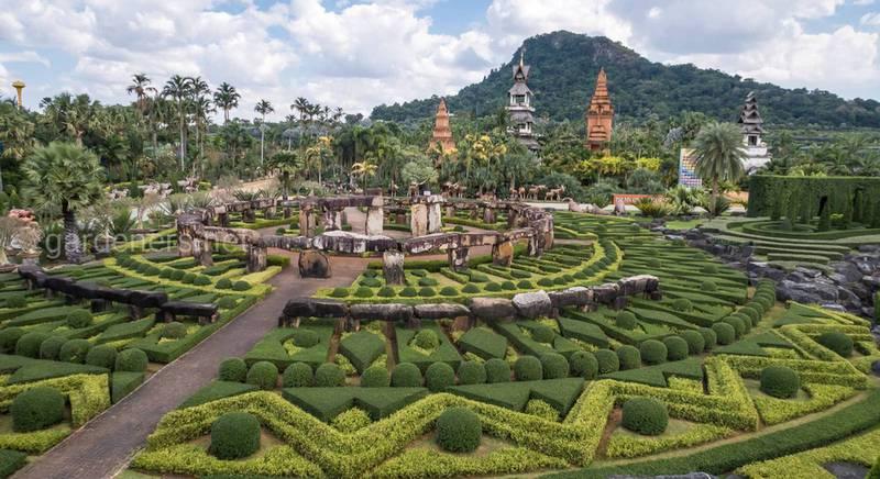 Тропічне місце для відпочинку - парк Нонг Нуч в Таїланді