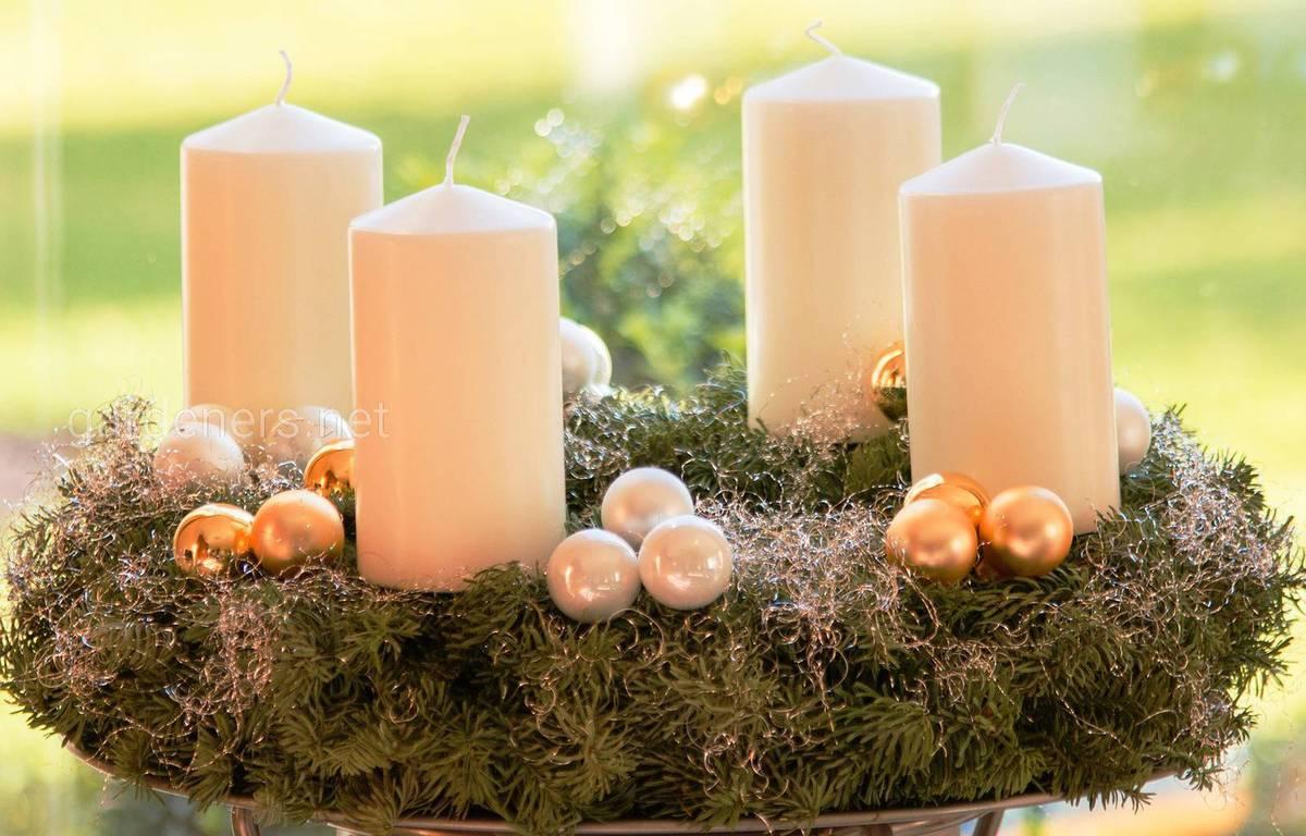 рождественский венок и свечи