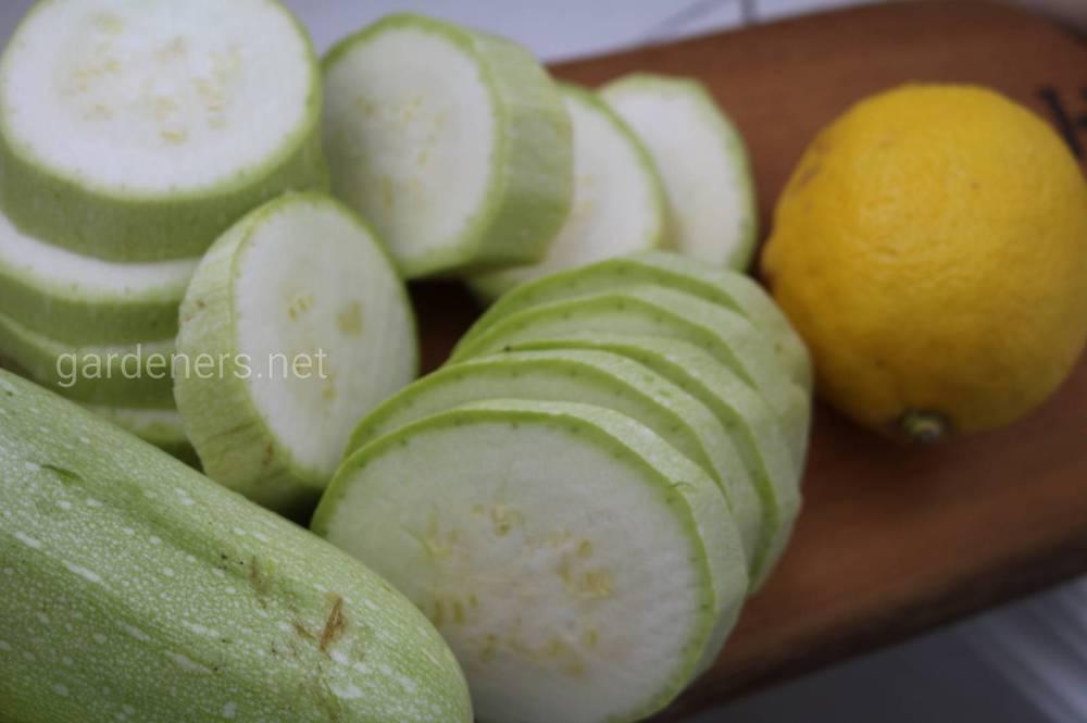 Ароматные кабачки с цедрой лимона