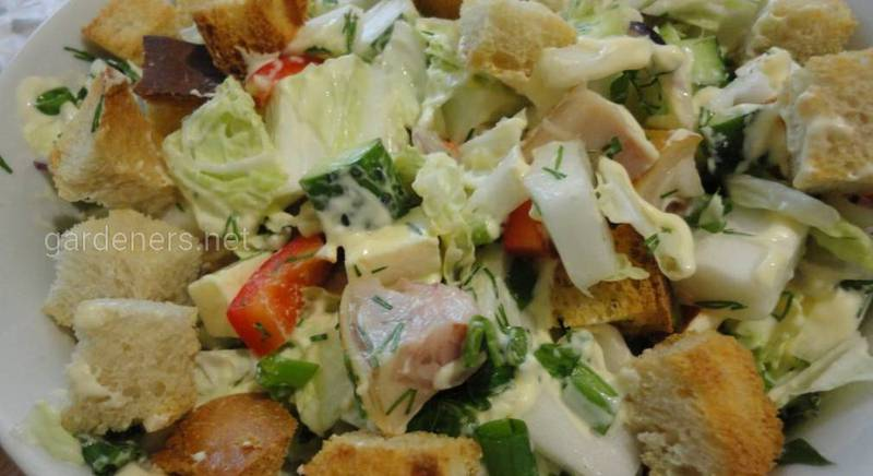 Салат з куркою і пекінською капустою. Рецепт