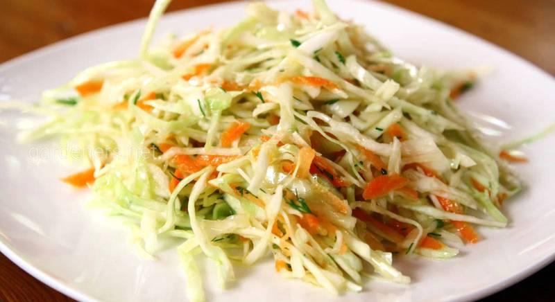Приготування салату з капусти