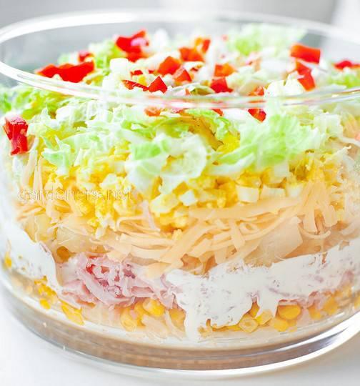 Яично-сырный салат с ветчиной