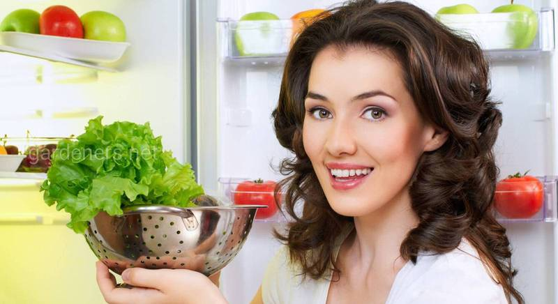 Зберігання салату у воді!