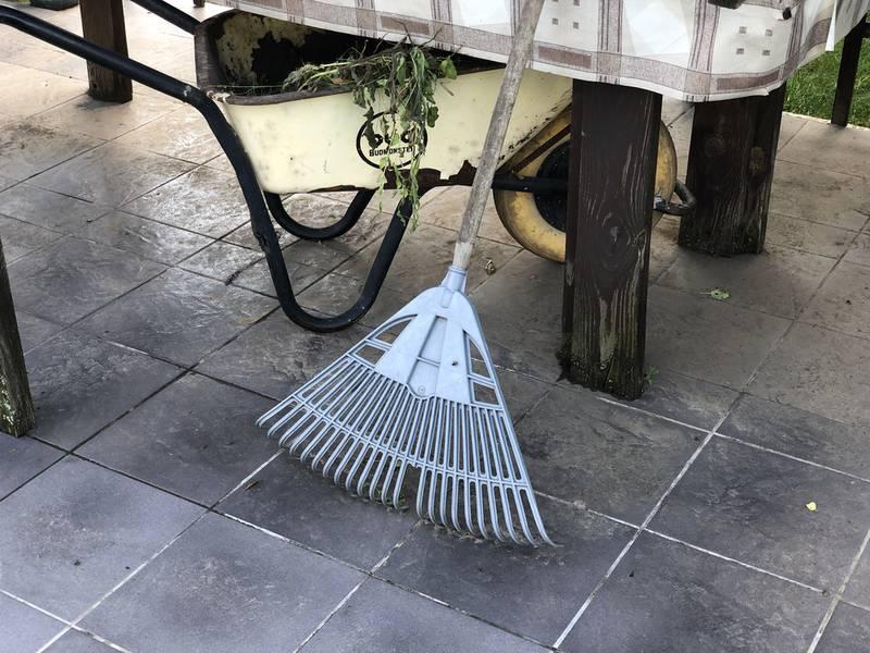 Инструменты, садовый инвентарь