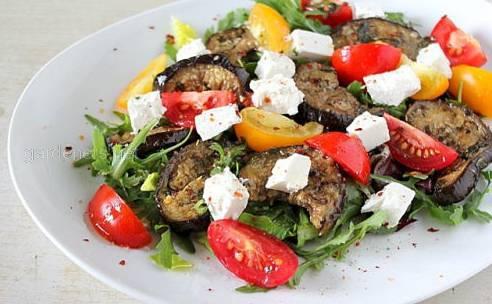 Болгарский салат с баклажанами