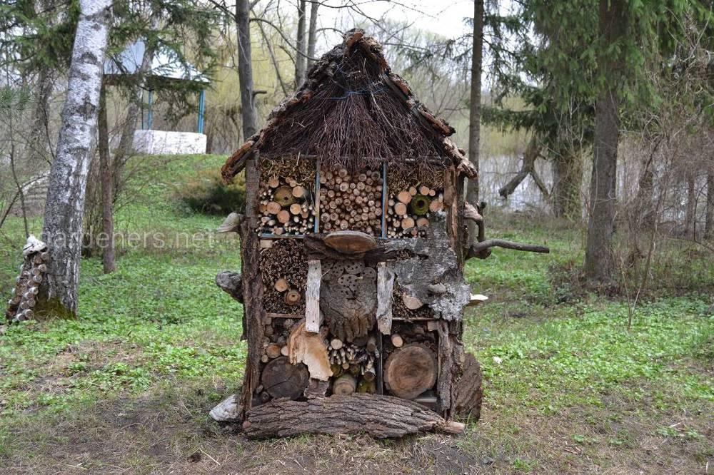 1 Домик сделанные школьниками Березоворудской школы