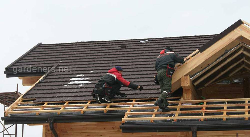 Почему крыши из металла шумят