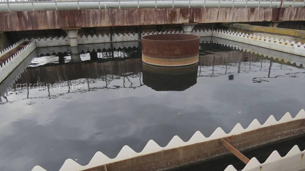 Очищення промислових стоків включає кілька етапів