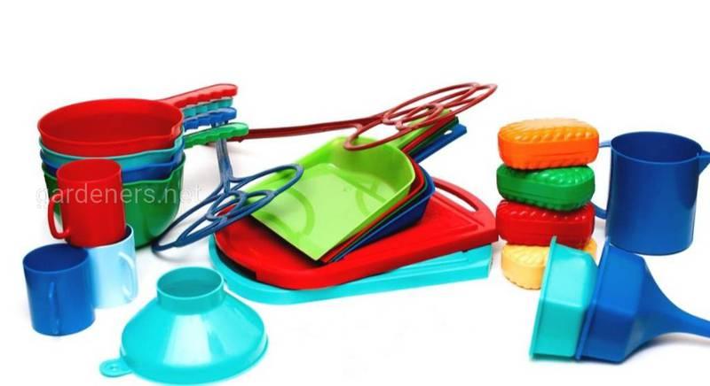 Поміркуйте, щодо використання та виготовлення пластику.