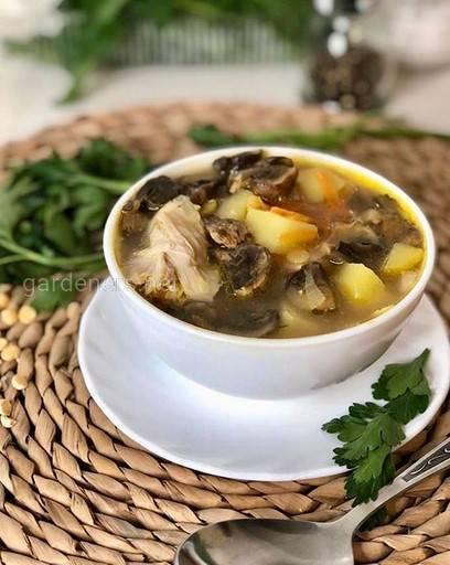 Суп с горохом и грибами
