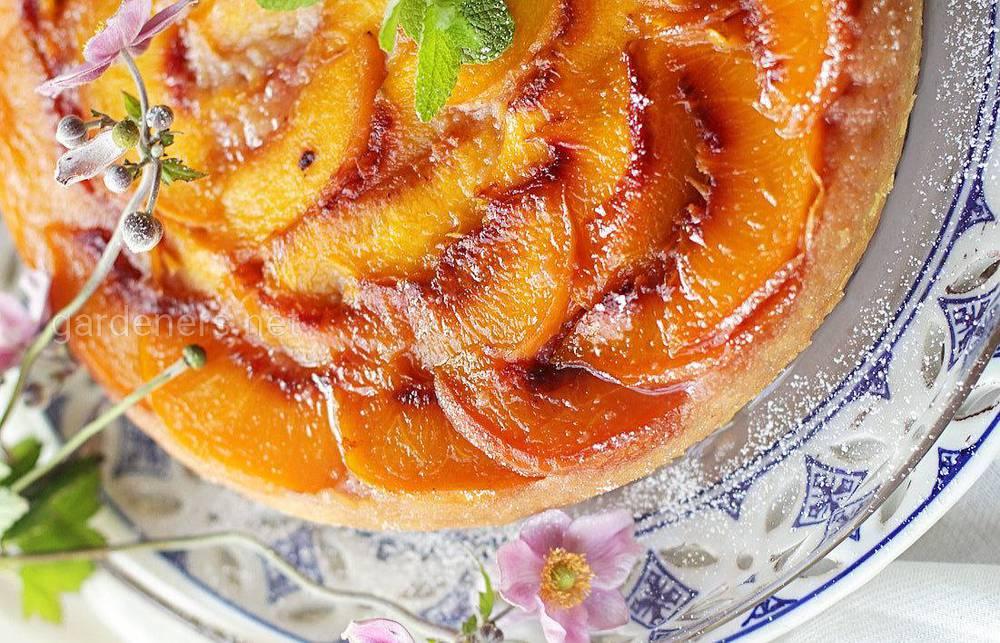 Персиковый пирог Bee