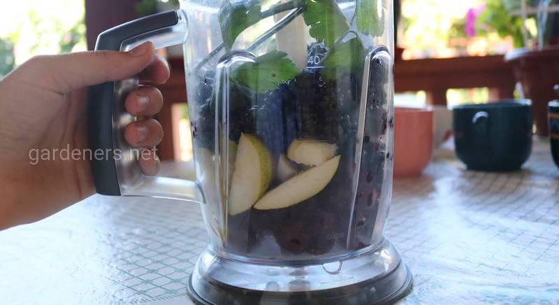 Смузи-боул смесь фруктов и ягод