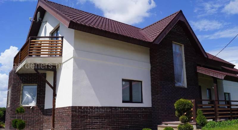 Як оновити фасад будинку швидко власними руками