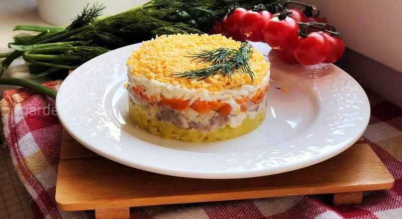 Корисний салат «Мімоза» з тунцем. Рецепт