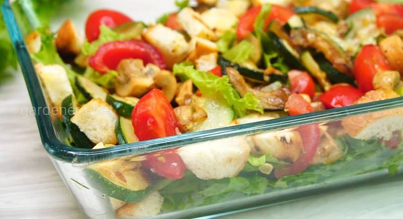 Полезный салат с курицей и грибами. Рецепт