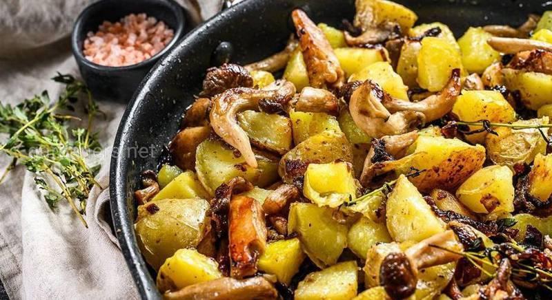 Рецепт смачної картоплі з грибами!
