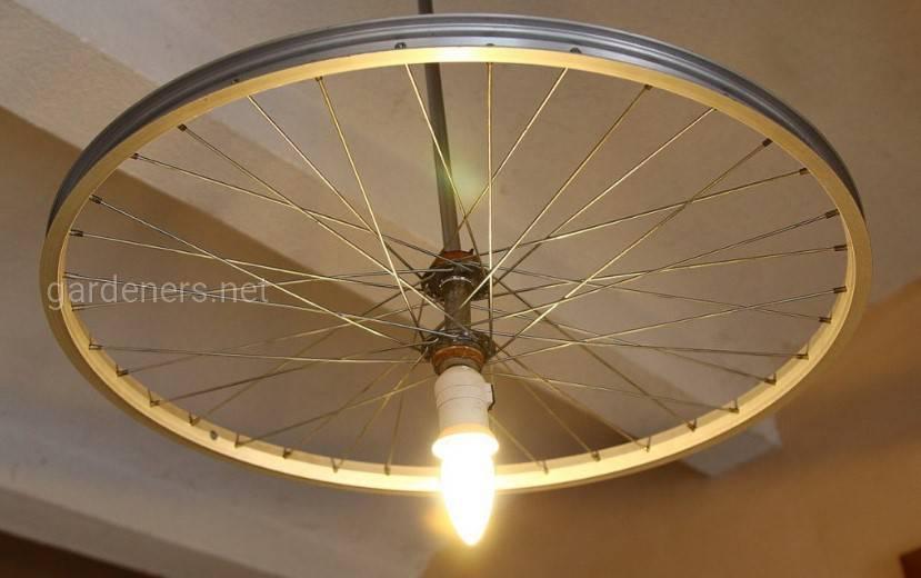 Велосипедная оригинальная люстра.