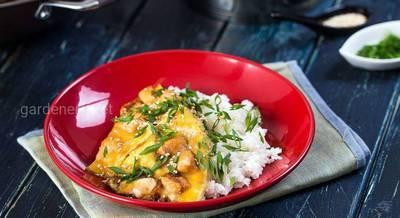 Оякодон — японский омлет с рисом и курицей