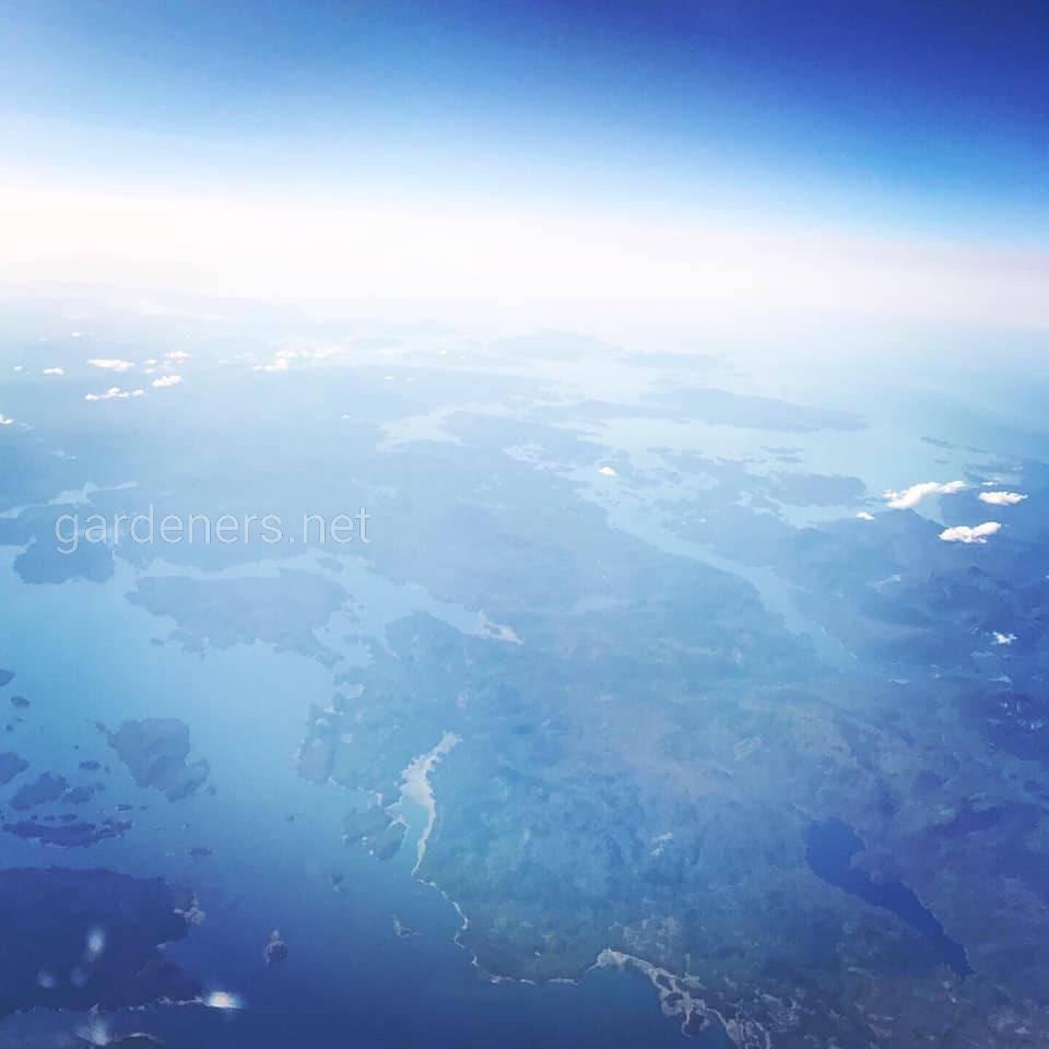 Над Аляской. Фото Николь Аллум