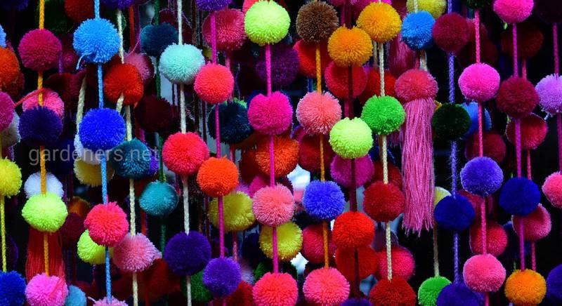 Помпони, як матеріал для новорічних декоративних виробів