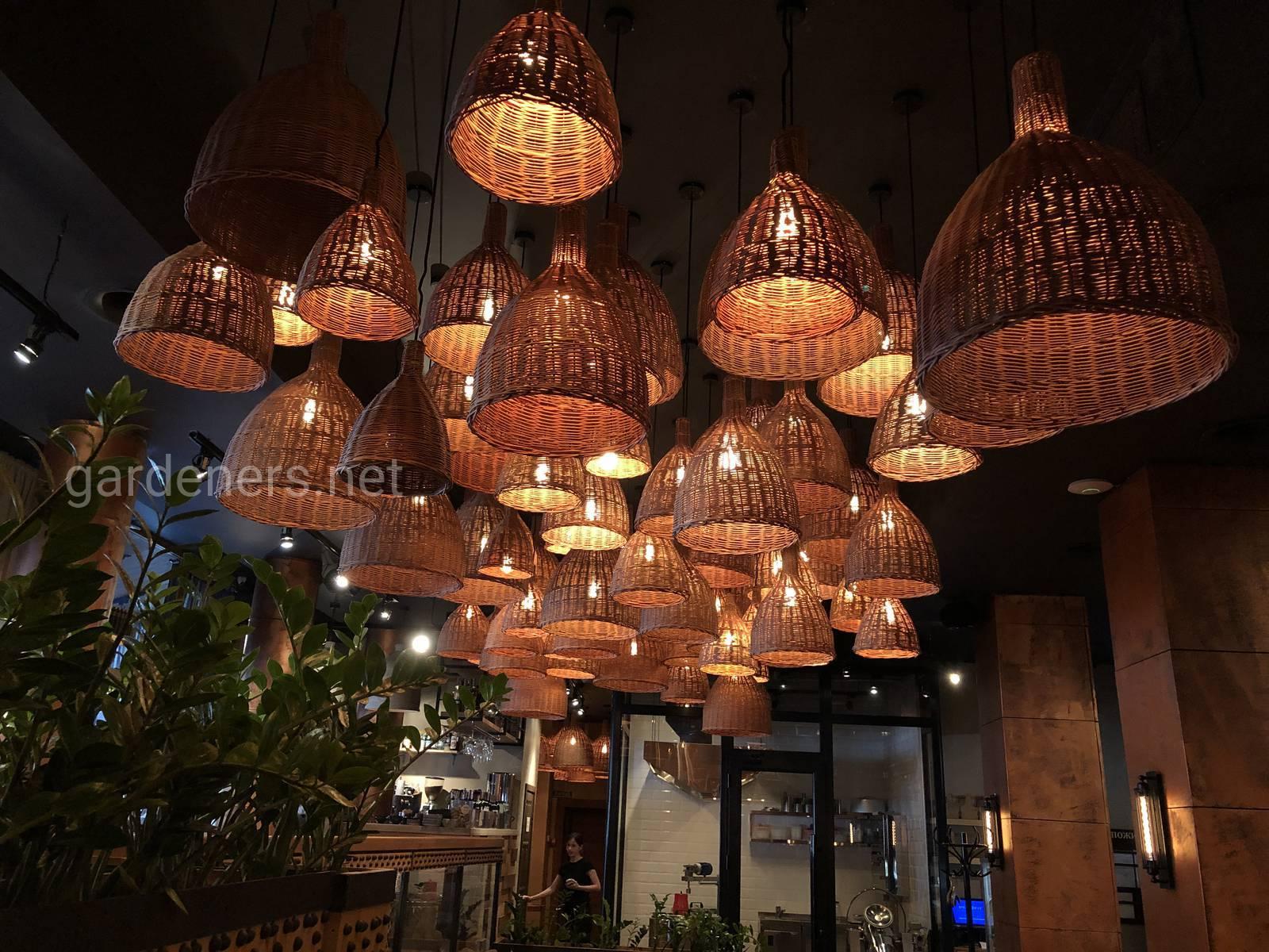 Плетёные люстры в Ресторане Мацони