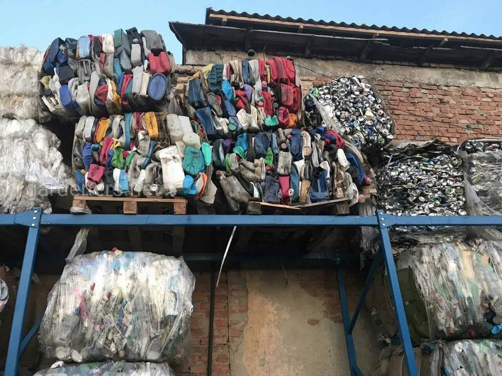 проблема сміття є важливою і актуальною на сьогодні