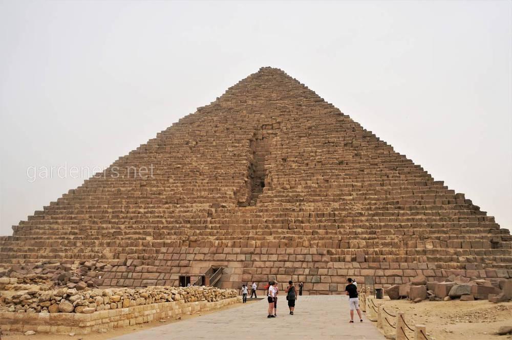 Пирамиды Микерина в Гизе