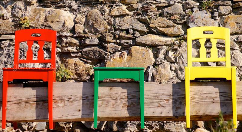 Садовая скамейка в деревенском стиле