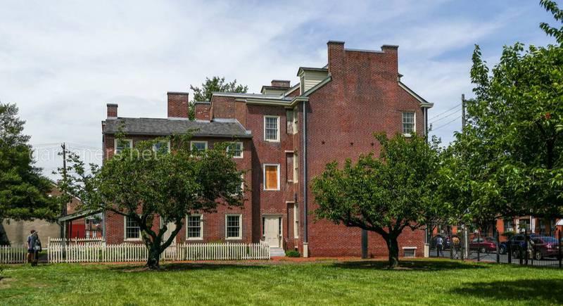Так выглядит сейчас дом Эдгара По (1809 -1849). Филадельфия
