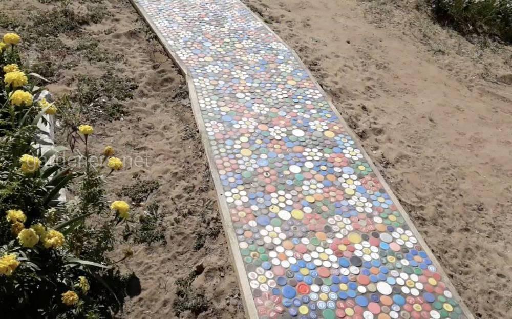 Использование мозаики на даче