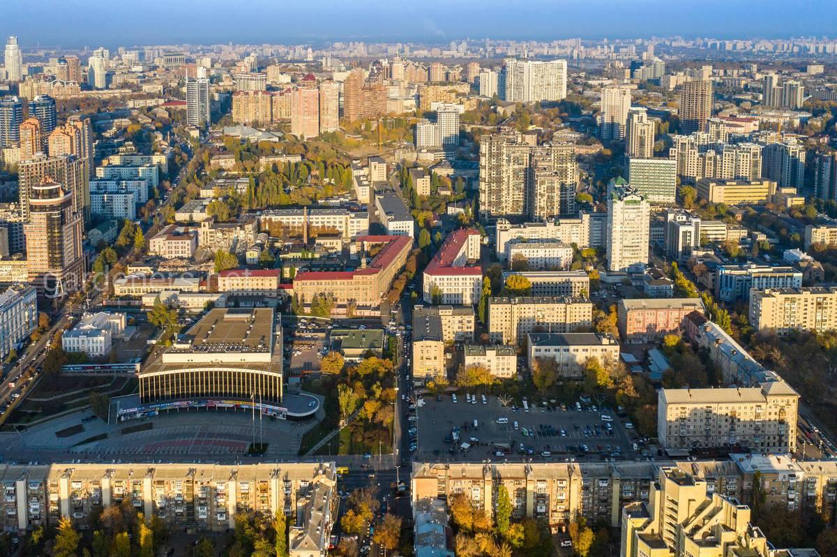 метро Палац Украина