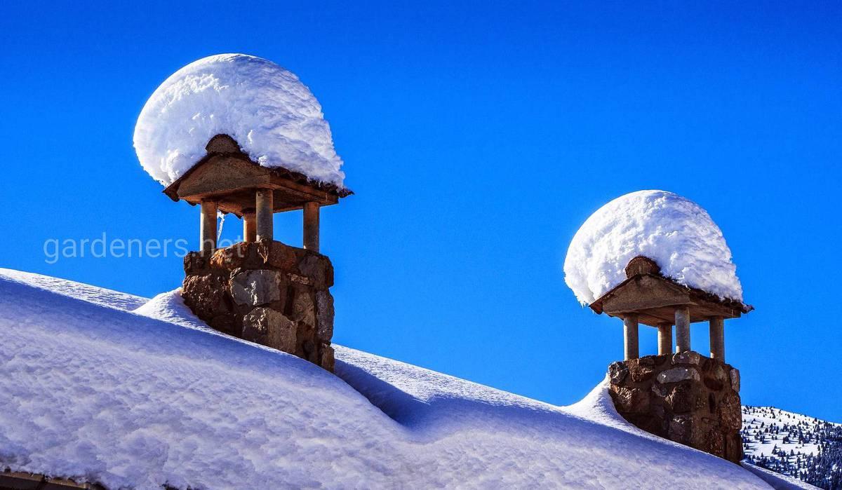 Чем опасен снег на крыше