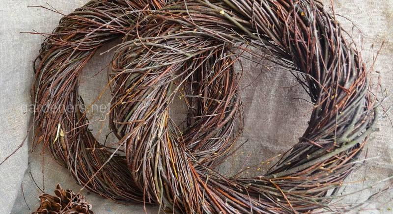 Садовые украшения из прутьев