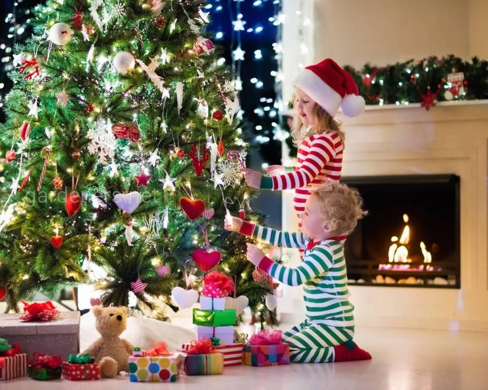 Новогоднее украшение для детской комнаты
