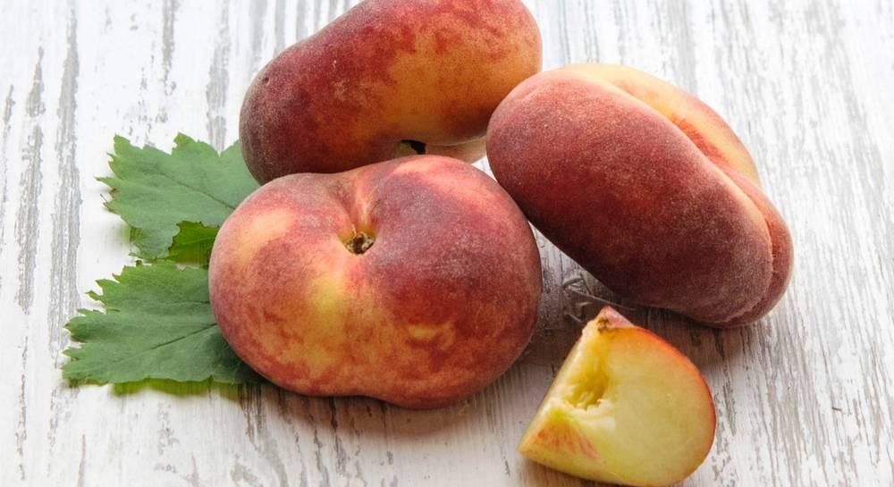 Инжирный персик - польза и вред плоского персика