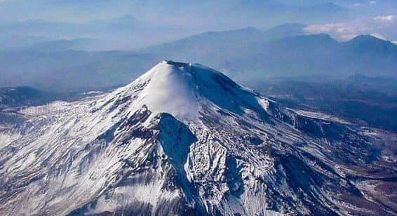 Это - Орисаба, 5636 м, Мексика. В конце этого года я планирую подняться на вершину этой горы