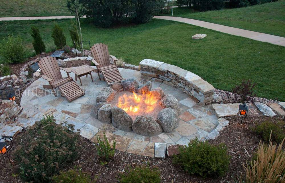 Наземне вогнище із натурального каміння