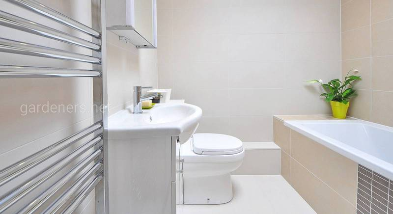 Как выполнить в ванной недорогой ремонт своими силами