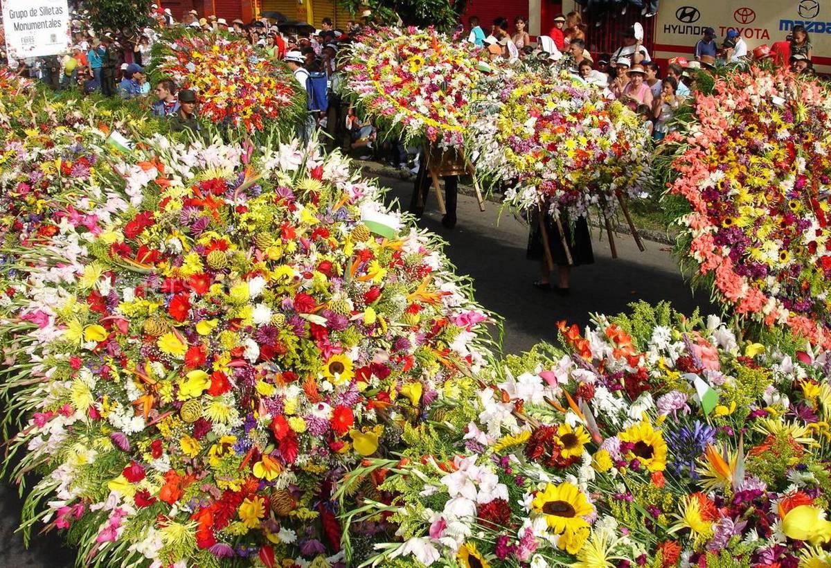 Медельин цветочный фестиваль