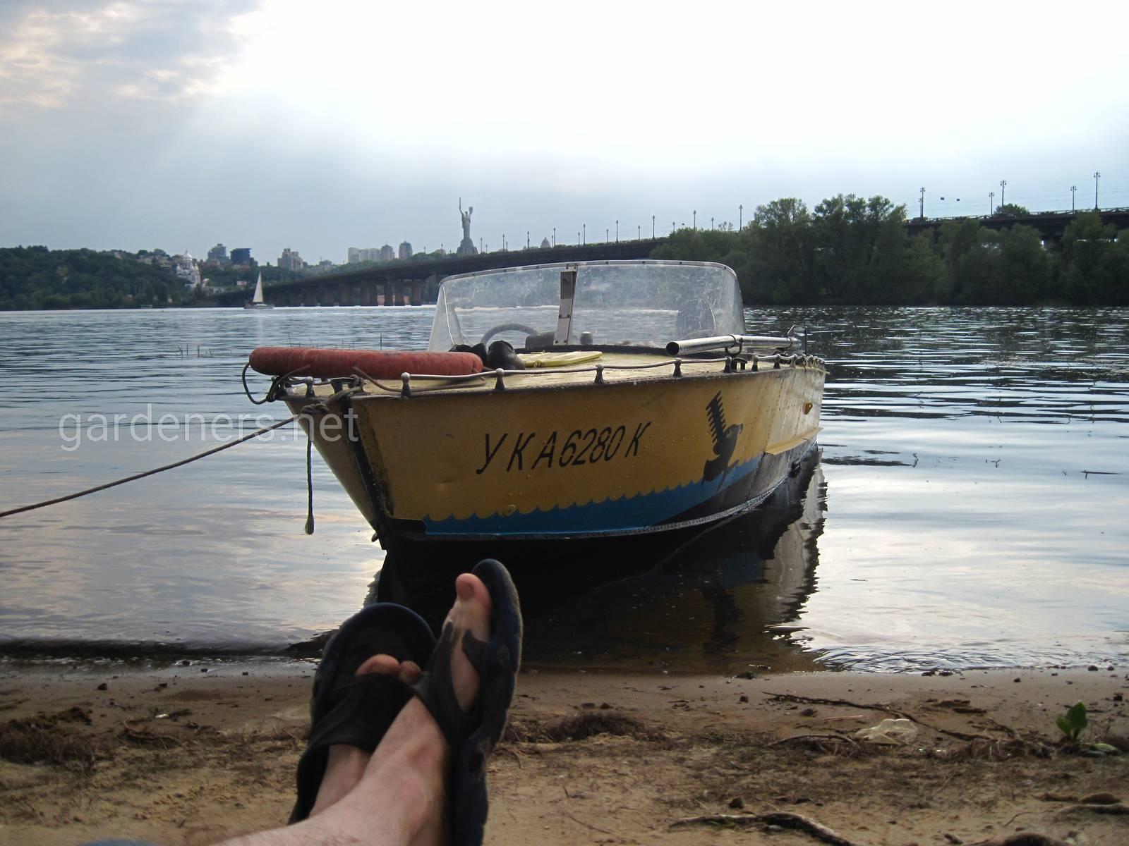 Киев. Вечер ядом с мостом Патона