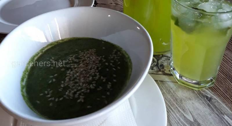 Летнее зелёное меню: легкий суп-пюре из шпината