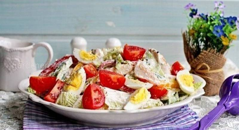 Салат з курки з овочами і яйцем. Рецепт