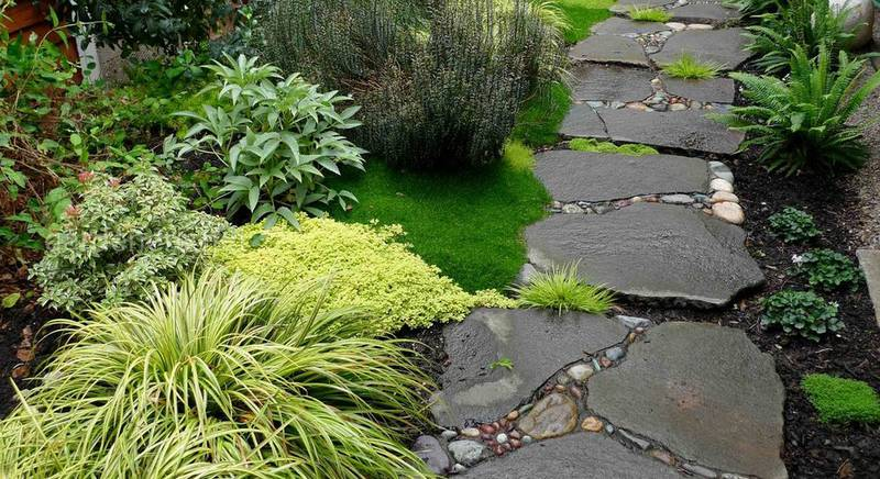 Антитоп матеріалів для будівництва садових стежок: 7 найгірших варіантів